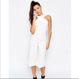 Missguided front criss-cross cropped jumpsuit sz 2